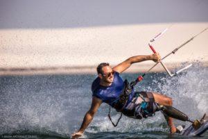 Kitesurfista paralímpico encerra expedição de 600km no Nordeste brasileiro