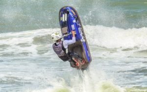 Bruno Jacob encara competição radical de motosurf nos Estados Unidos