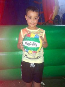 Magic City faz doação de 500 brinquedos a comunidades de Suzano