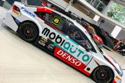 Mobiauto anuncia patrocínio ao piloto da Stock Car, Rafael Suzuki